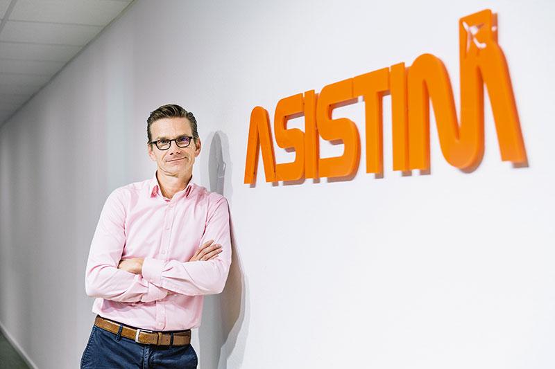 Geschäftsführer Svensen Patrick Rossmann arbeitete früher selbst als Flugdienstberater. Foto: Insa Hagemann