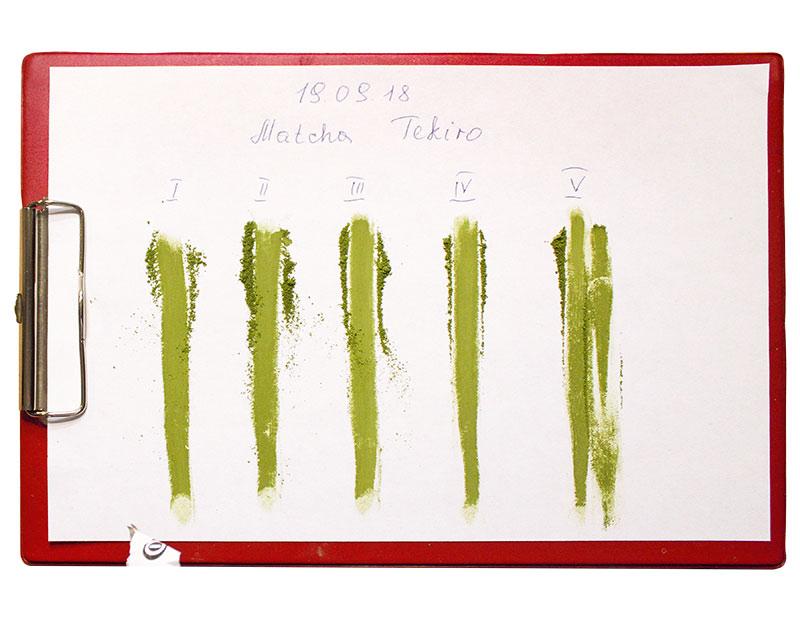 Mahlproben des feinen Matcha. Foto: Barbara Dörmer