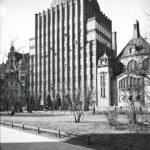 Als eines der wenigen Gebäude überstand das 1928 eingeweihte