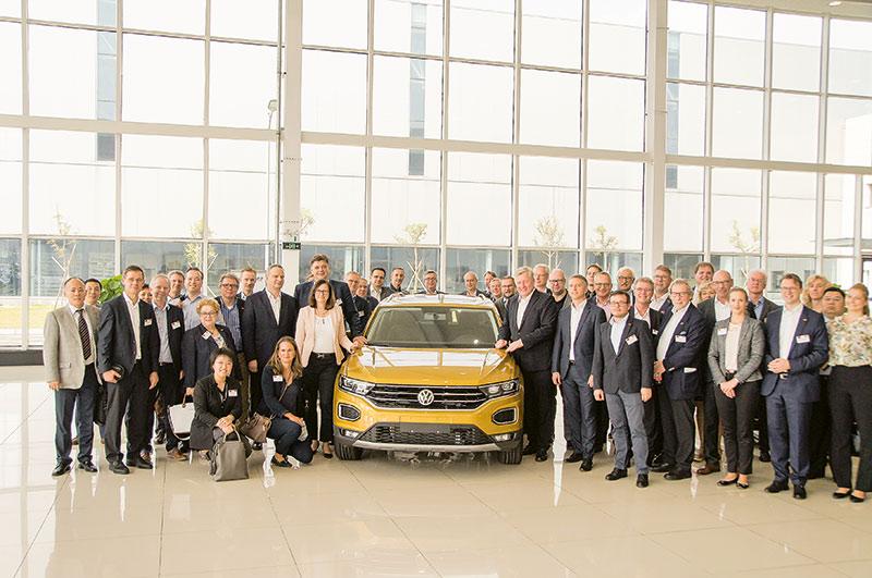 Besuch von Minister Dr. Bernd Althusmann und seiner Wirtschaftsdelegation im FAW-Volkswagen-Automotive-Werk in Foshan. Foto: Niedersächsiches Wirtschaftsministerium