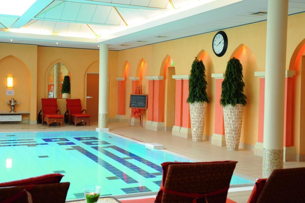 Das Steigenberger Hotel in Bad Pyrmont verfügt über einen großen Wellnessbereich mit Schwimmbad. Foto: Steigenberger Hotel and Spa, Bad Pyrmont
