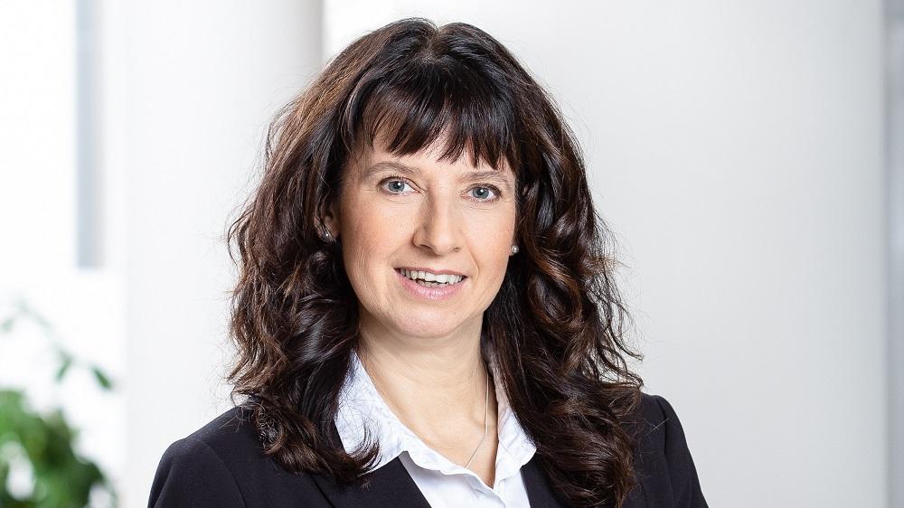 Silke Sehm In Den Vorstand Der Hannover Rück Berufen
