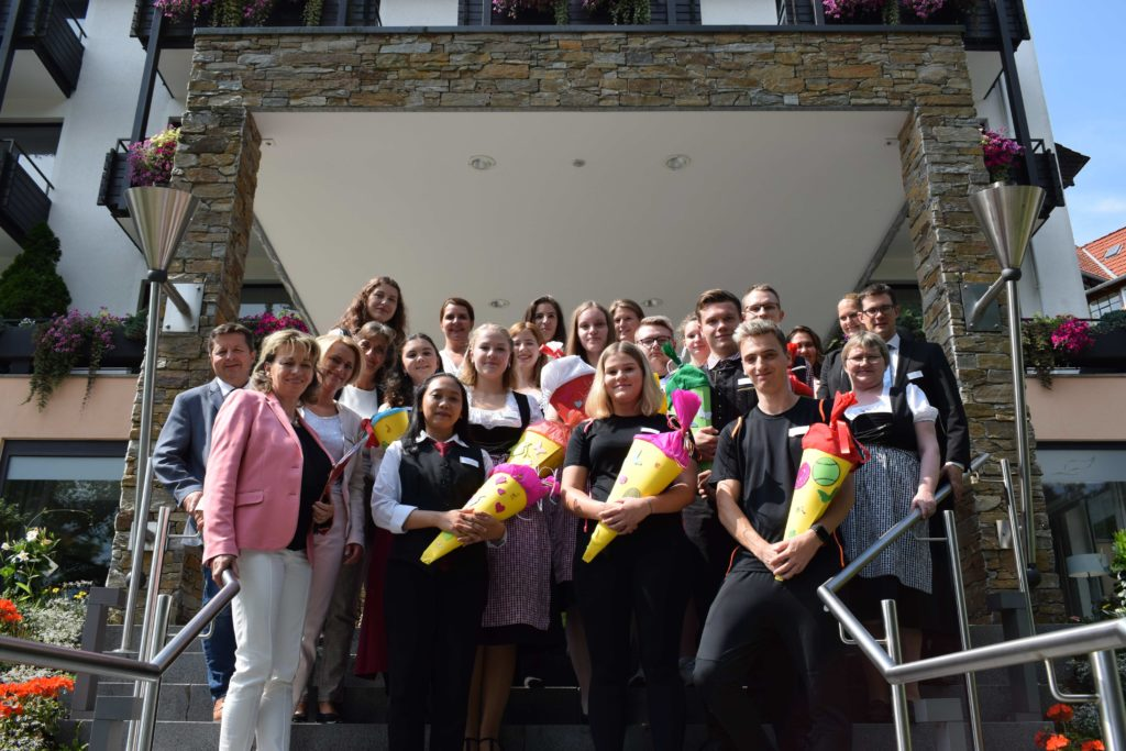 Die neuen Auszubildenden des Hotel Romantischer Winkel in Bad Sachsa.