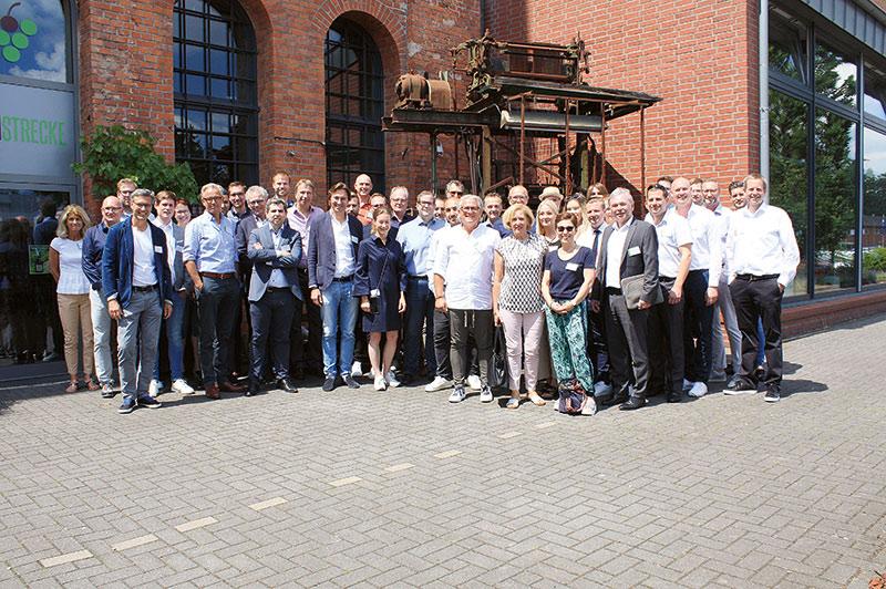 Die Mitgliedsunternehmen von Modehaus.de treffen sich regelmäßig zum Austausch. Im Mai dieses Jahres fand das Treffen erstmals in Hameln statt. Foto: Modehaus.de