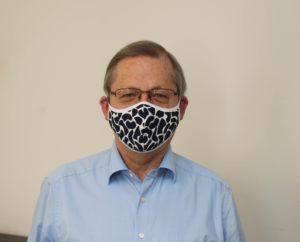 IHK-Hauptgeschäftsführer Dr. Horst Schrage trägt Maske.